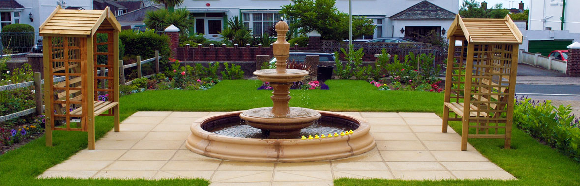 Durnsford Lodge garden water fountain